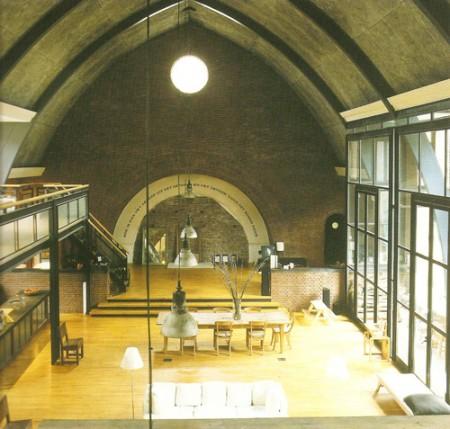 photo d\'un loft dans une église à Amsterdam - extrait du livre mini loft bible