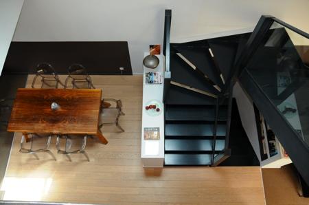 Vue sur le 1er étage du loft depuis le 2ème étage