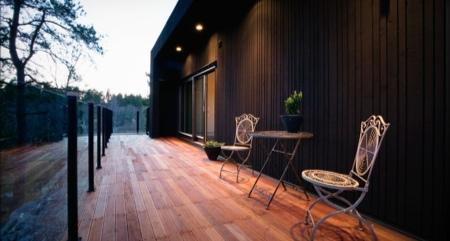 Terrasse de la maison en bois Nexthouse