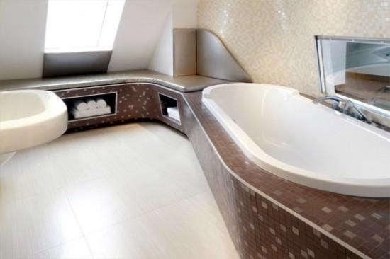 Salle de bain loft sous les toits journal du loft for Salle de bain sous les toits