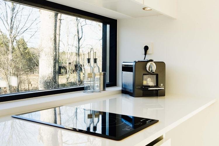 Cuisine de la mini maison xxs nexthouse journal du loft for Cuisine 5000 euros