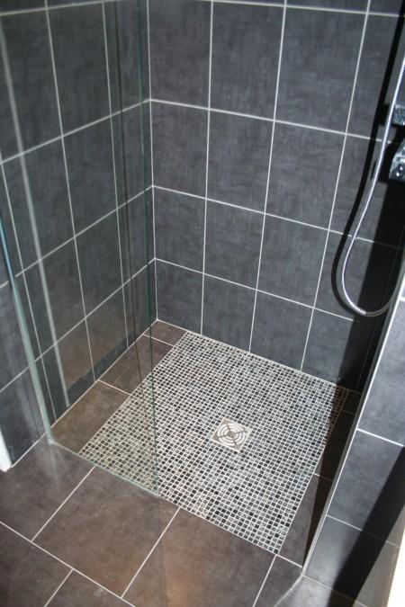 Douche à l'italienne dans un petit loft à Nantes