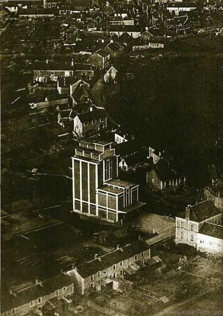 Vue aérienne du silot à grains