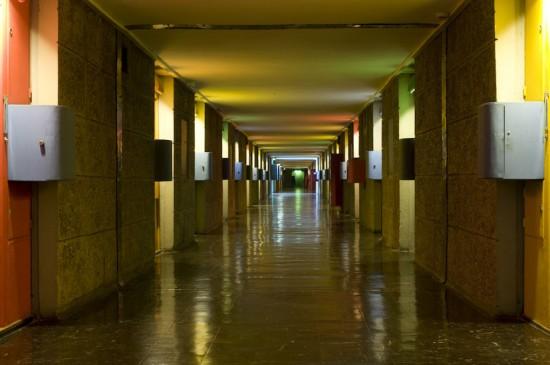 Couloir de la cit radieuse le corbusier journal du loft - La cite radieuse le corbusier ...