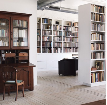 Bibliothèque du loft Hoeber