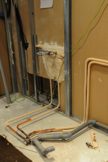 travaux du loft. chapitre 6 : la plomberie de la salle de bain ... - Tuyauterie Salle De Bain