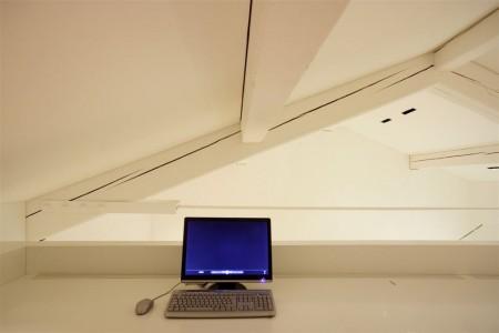Bureau avec ordinateur dans le Como loft