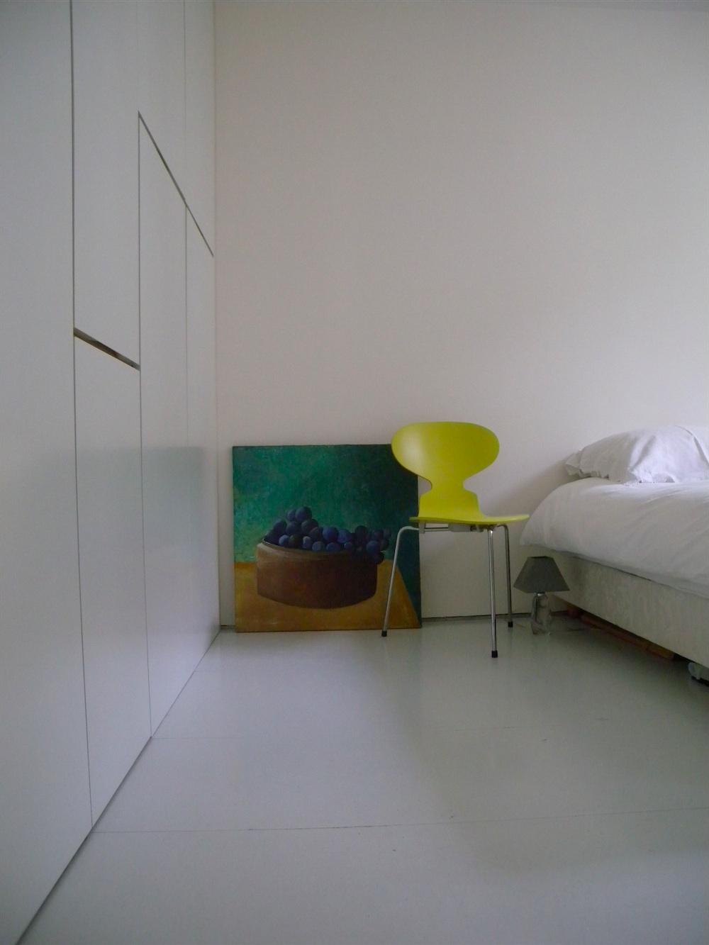 Loft minimaliste vendre paris 10 journal du loft for Rangement minimaliste