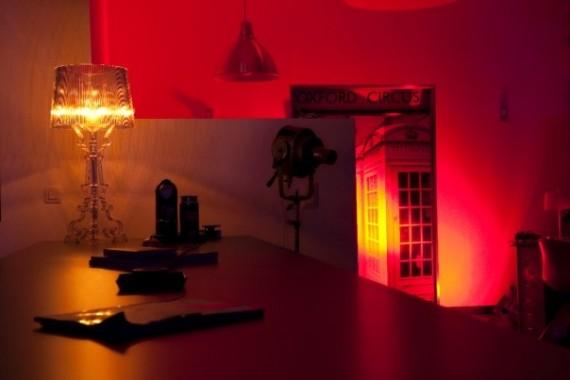 Lampe Bourgie Kartell dans un loft