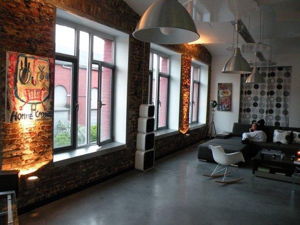 un loft dans une ancienne cristallerie belge journal du loft. Black Bedroom Furniture Sets. Home Design Ideas