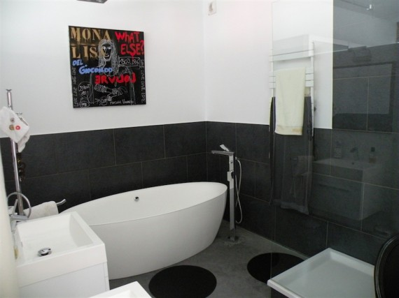 Salle de bain dans un loft en belgique journal du loft for Salle de bain belgique