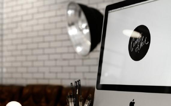 L'agence de design Candy Black travaille sur des Mac