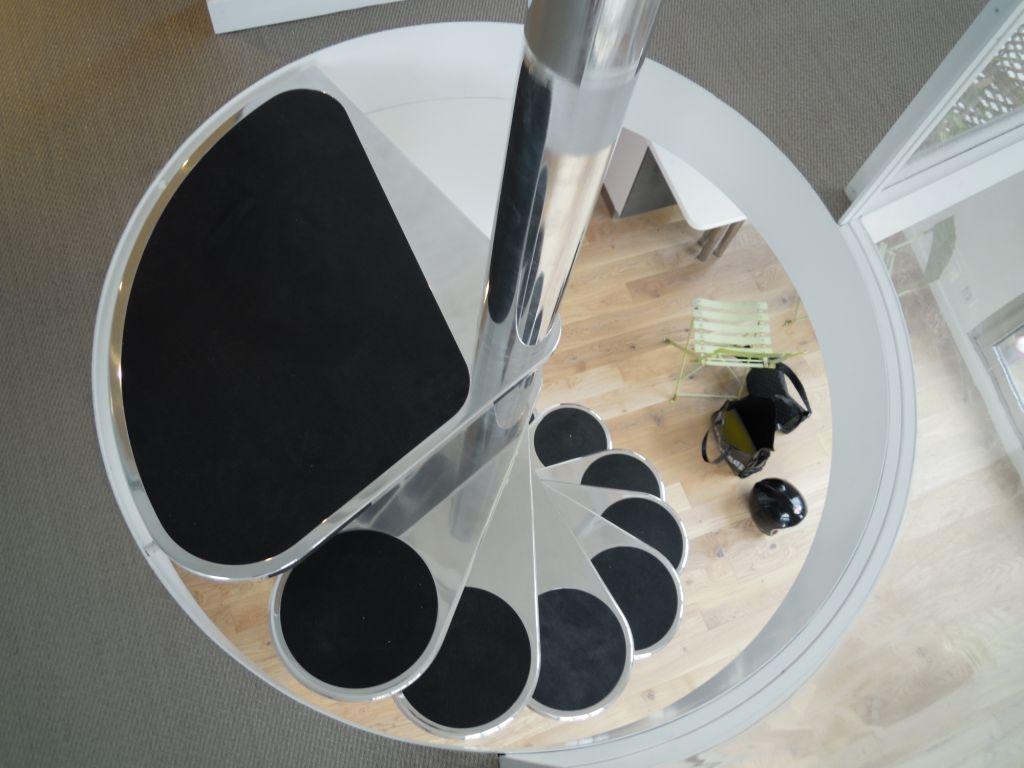 escalier en colima on design journal du loft. Black Bedroom Furniture Sets. Home Design Ideas