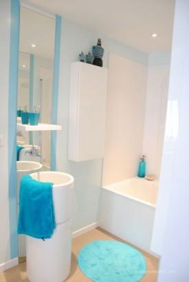 Salle de bain design du duplex Stair Link (Montmartre)