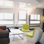 Salon avec table relevable design Studio Icebox