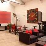 Loft rouge et blanc to rent in Paris