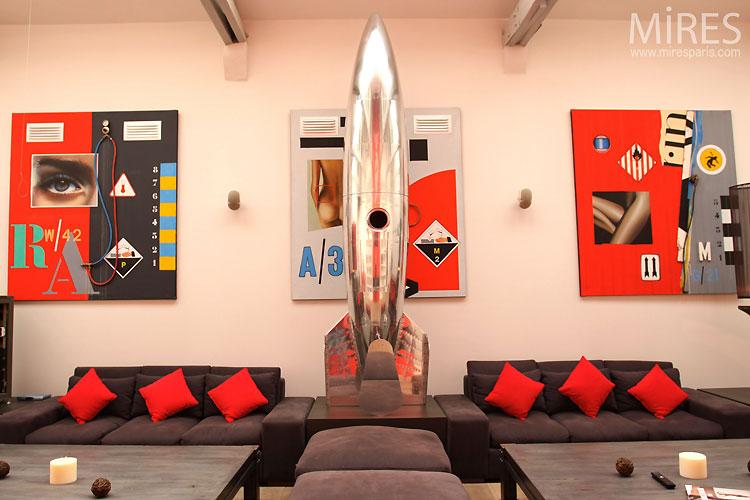 Loft rouge et blanc – fusée chromée