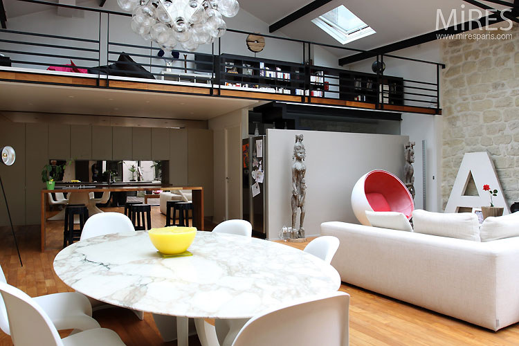 loft avec mobilier sixties journal du loft. Black Bedroom Furniture Sets. Home Design Ideas