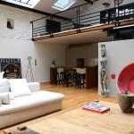 Loft avec une baie vitrée : salon