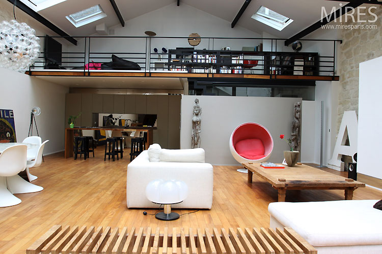 loft avec verri re mezzanine journal du loft. Black Bedroom Furniture Sets. Home Design Ideas