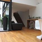 Loft avec verrière : chaise Panton