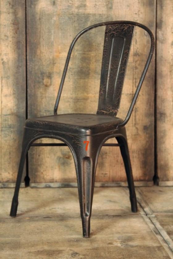 12 meubles industriels pour votre loft s lectionn s chez barak7 journal du loft - Chaise style industrielle ...