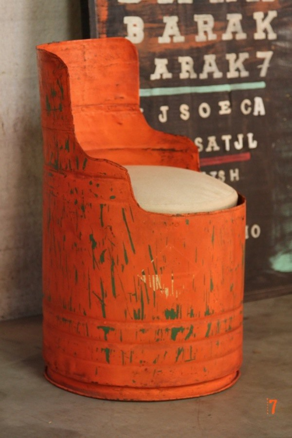 fauteuil industriel bidon orange journal du loft. Black Bedroom Furniture Sets. Home Design Ideas