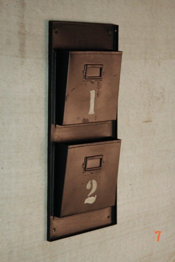 12 meubles industriels pour votre loft s lectionn s chez barak7 journal du loft. Black Bedroom Furniture Sets. Home Design Ideas