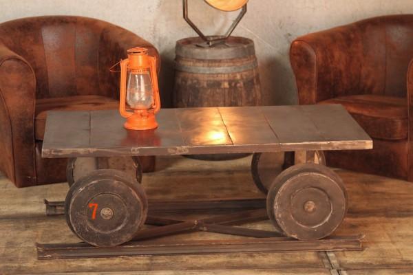 Table basse industrielle wagon