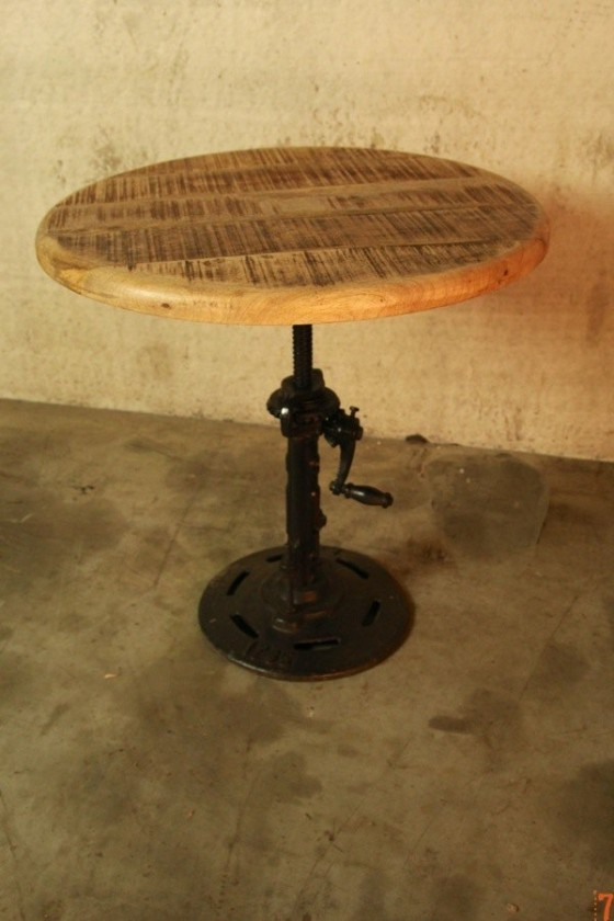 Table d'appoint industrielle rehaussable