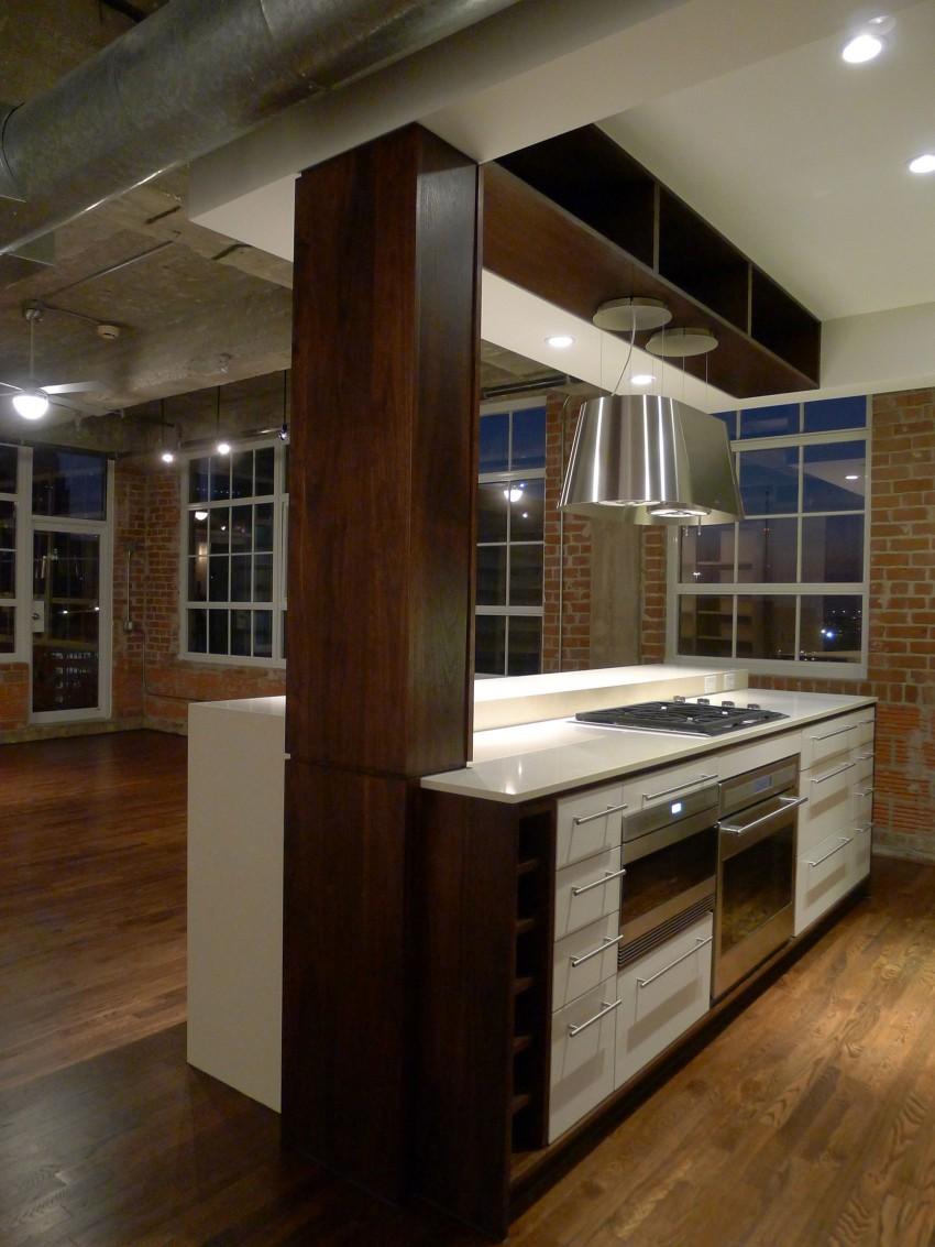 Loft à Houston par CONTENT architecture – cuisine avec ilot central